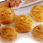 Quirky pets – The dog loves tagliatelle nests